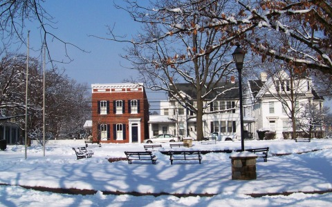 Belle Grove Square